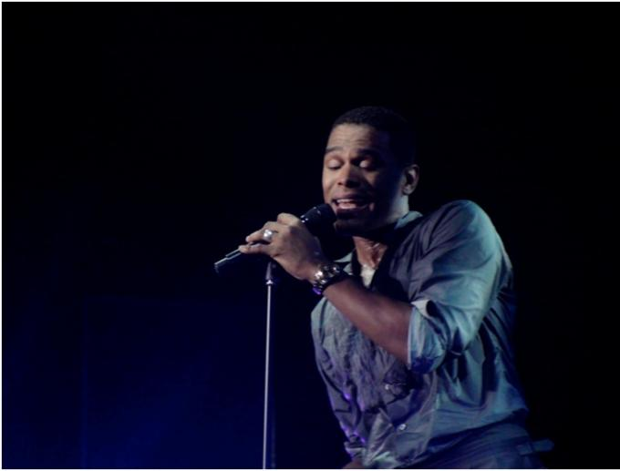 Maxwell at Beacon Theatre